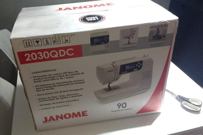 Maquina de costura Janome -1.jpg